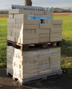 Futterspende der Fressnapf-Zentrale aus Krefeld! 1.500 Schälchen superleckeres Futter für unsere Katzen!